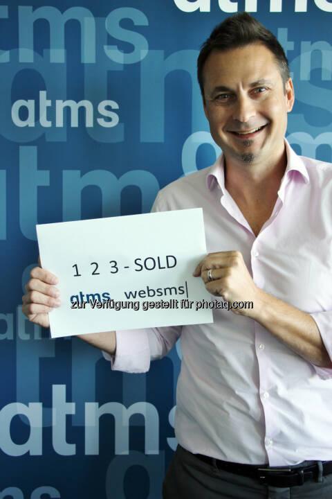 BK Invest GmbH kauft atms-Gruppe: Markus Buchner, Geschäftsführer atms GmbH, nach dem erfolgten Closing - atms Telefon- und Marketing Services GmbH: Österreichische Investoren übernehmen atms-Gruppe (Fotocredit: atms)