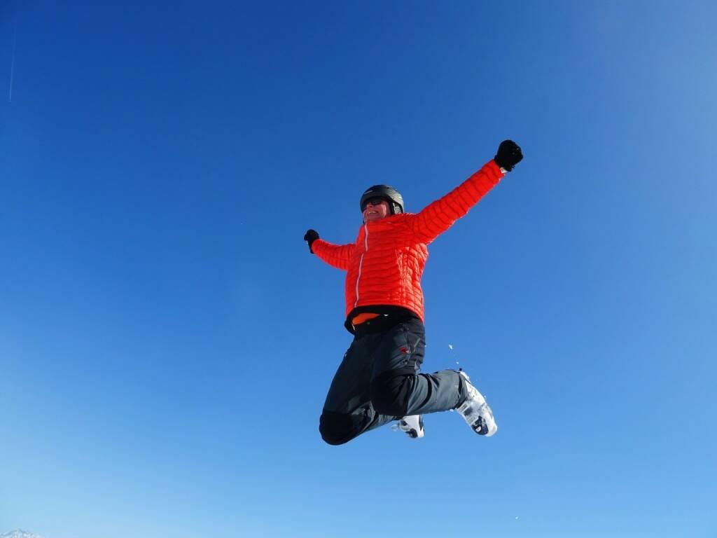 Winter, Sprung, Springen, Jump, Jubel, Himmel (Bild: Pixabay/dannyschorsch https://pixabay.com/de/skifahren-sprung-himmel-1569135/ ), © diverse photaq (21.09.2017)