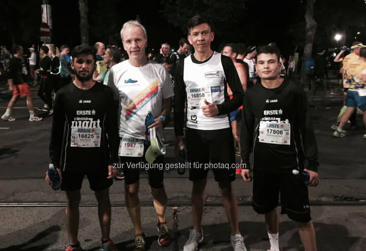 Mit dem Team vom Haus Roshan, ebenso LG Wien Nahe