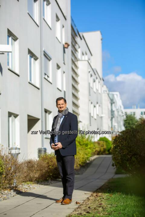 Marcus Franz wurde in der heutigen Bezirksvertretungssitzung zum neuen Bezirksvorsteher in Favoriten gewählt - SPÖ Wien Rathausklub: Marcus Franz ist neuer Bezirksvorsteher in Favoriten (Fotograf: Christian Husar / Fotocredit: BV 10)