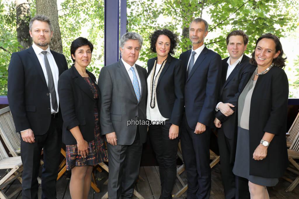 Ole Hagen Jorgensen (Global Evolution), Carmen Nuzzo (UNPRI), Kerrin Tansley (JAR Capital), Susanne Lederer-Pabst (4-your-biz), Martin Brunkhorst (EIB), Richard Vrzal (GIIVX), Alexandra Bolena (4-your-biz) - 4-your-biz Impact-Investing Konferenz (Fotocredit: Katharina Schiffl for photaq.com) (29.09.2017)