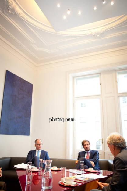 Karsten Wöckener (White & Case) - Christoph Moser (Partner bei Weber & Co. Rechtsanwälte) - Christian Drastil (Börse Social Magazine) - (Fotocredit: Michaela Mejta für photaq.com), © Michaela Mejta für photaq.com (02.10.2017)