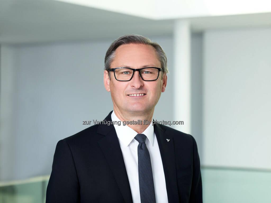 Gerhard Hamel neuer Präsident des ÖGV - Österreichischer Genossenschaftsverband: Gerhard Hamel neuer Präsident des ÖGV (Fotograf: Marcel Hagen / Fotocredit: Volksbank Vorarlberg/studio22), © Aussender (03.10.2017)