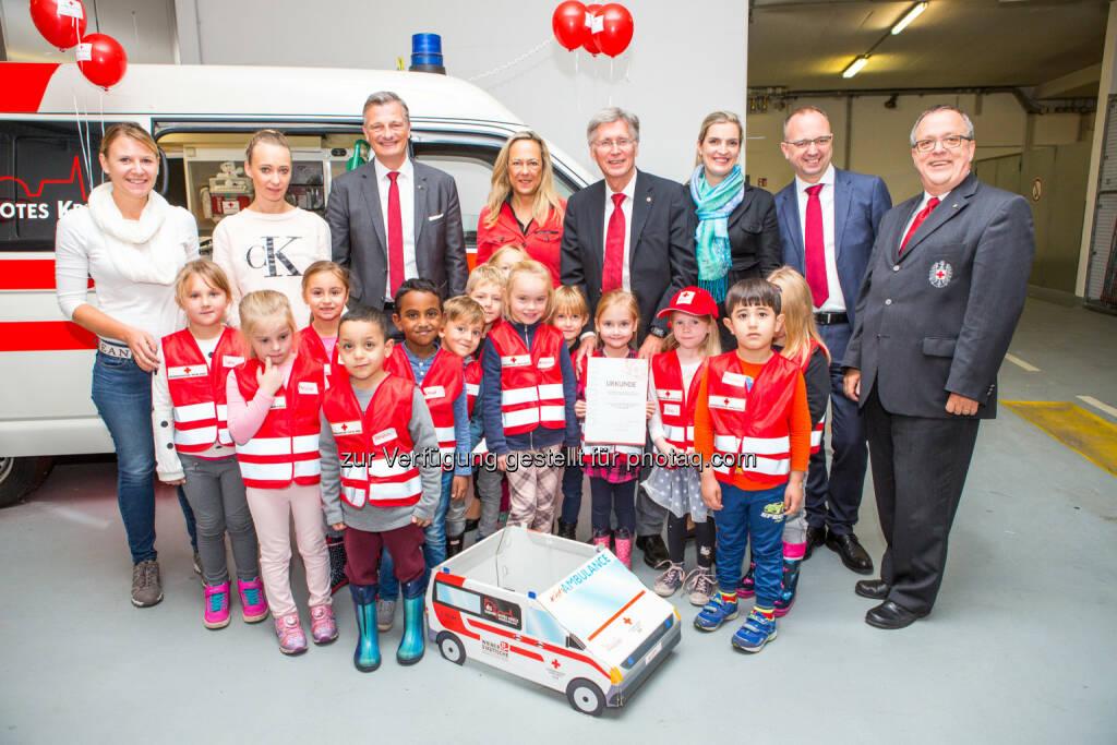 Wiener Rotes Kreuz: Wiener Städtische und Wiener Rotes Kreuz: 30.000 Kinder in sechs Jahren KIDS Programm (Fotograf: Kellner. Holly  Thomas / Fotocredit: Wiener Rotes Kreuz), © Aussender (05.10.2017)
