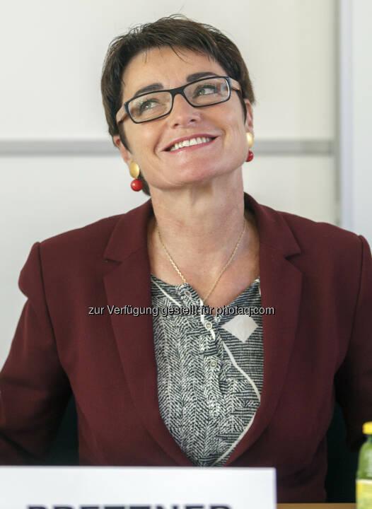 Landeshauptmann-Stellvertreterin Beate Prettner - B&K - Bettschart&Kofler Kommunikationsberatung: 25 Jahre Interdisziplinäres Schmerzzentrum am Klinikum Klagenfurt (Fotocredit: B&K/APA-Fotoservice/Jannach)