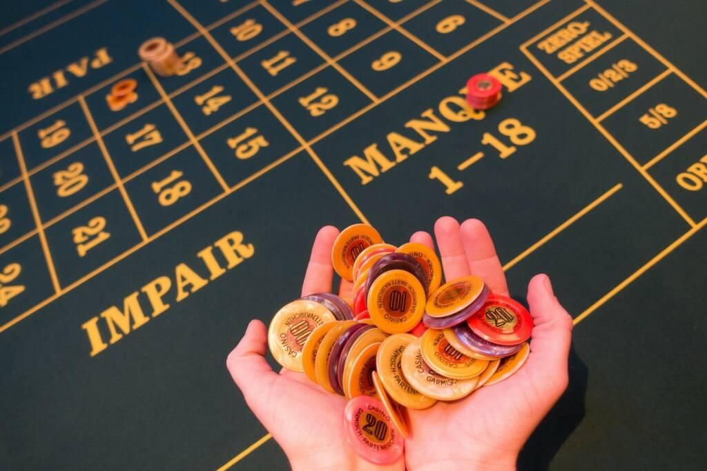 Einsatz, Spiel, erhöhen, Casino, Roulette, Geld, Risiko (Bild: Pixabay/stux https://pixabay.com/de/spielbank-einsatz-jeton-gewonnen-1003148/ ), © diverse photaq (06.10.2017)