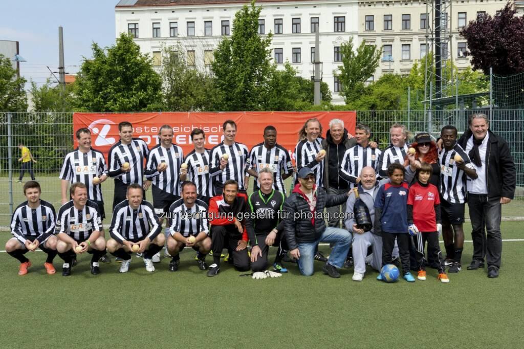 Toni Polster´s FC Global Kickers spielten für Kids - Foto Andreas Pikal (27.05.2013)