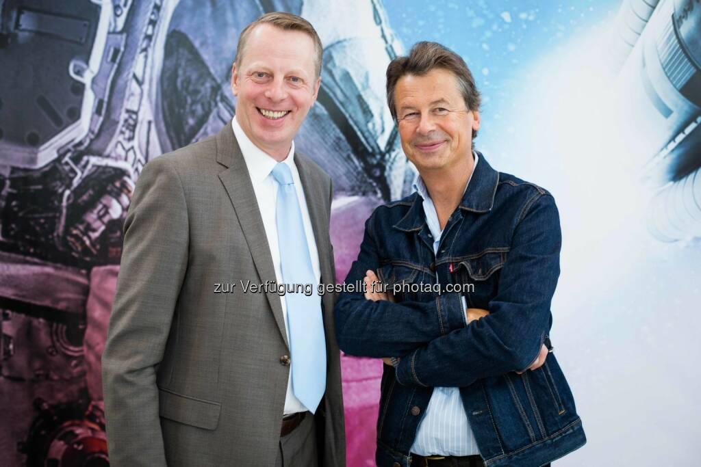 Friedrich Wachernig, Vorstand der S Immo AG und Multimedia Artist Peter Kogler (Fotocredit: S Immo), © Aussendung (10.10.2017)