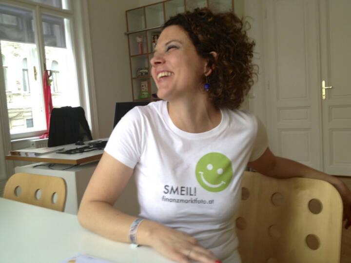 Social Smeil, Sabine Hoffmann, ambuzzador, mehr unter http://finanzmarktfoto.at/page/index/497