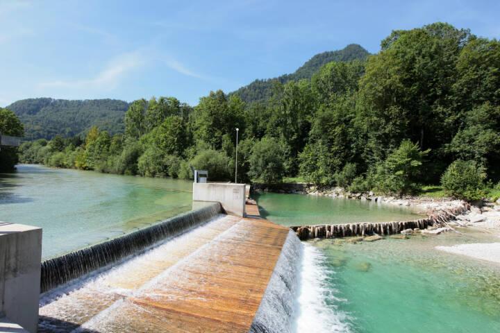Kleinwasserkraft Österreich, Wehranlage an der Alm in Oberösterreich, Wasserkraft, Strom, Fotocredit: Kleinwasserkraft Österreich