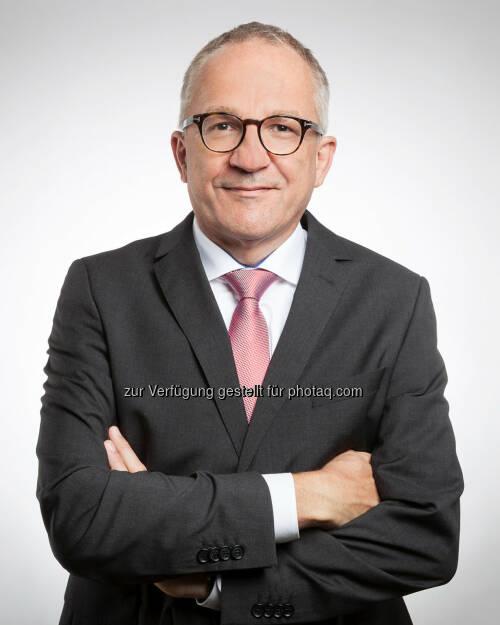 Österreichische Fachhochschul-Konferenz: Raimund Ribitsch neuer Präsident der Österreichischen Fachhochschul-Konferenz (FHK) (Fotocredit: FH Salzburg/Bernhard Moser), © Aussender (16.10.2017)