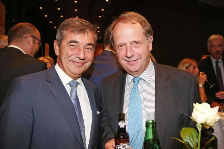Peter Neumann (ehemaliger Engel-CEO), BrauUnion Generaldirektor Markus Liebl, Fotocredit: RLB OÖ / Strobl