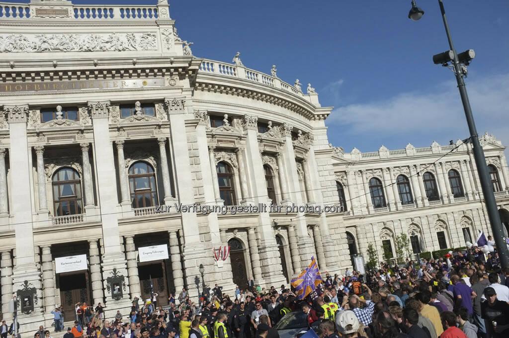 Burgtheater, Fans (28.05.2013)
