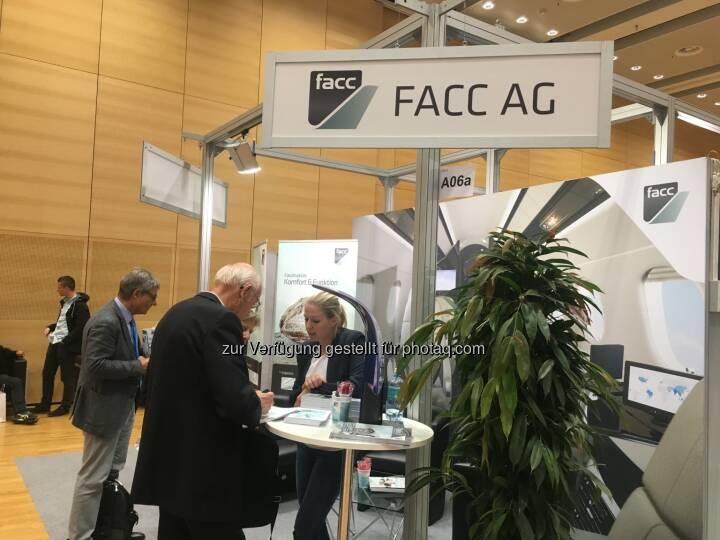 Facc, Messestand