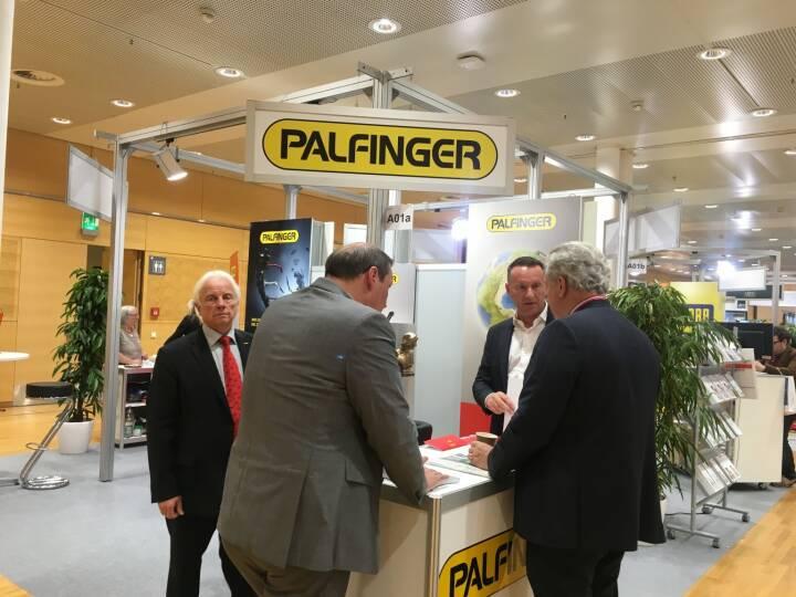 Palfinger, Messestand, Hannes Roither (IR), CEO Herbert Ortner