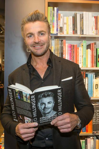Weingut Leo Hillinger GmbH: Leo Hillinger stellte seine Autobiographie vor, Fotocredit: Christian Mikes, © Aussender (24.10.2017)