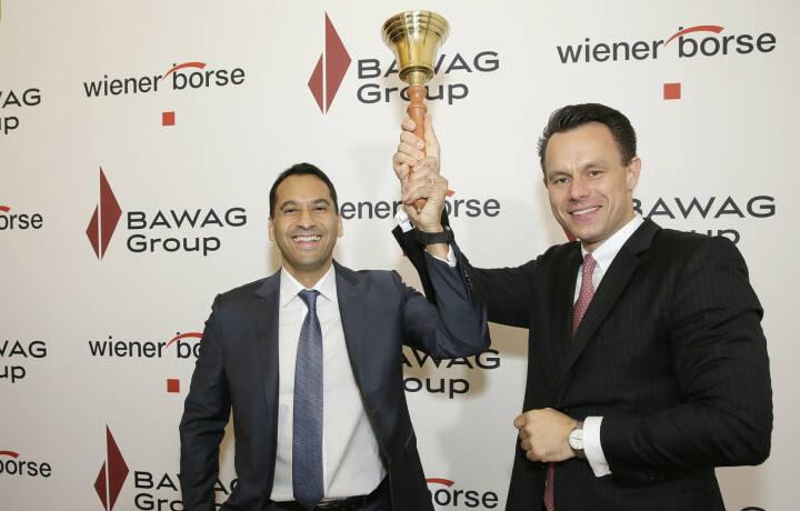 BAWAG Vorstand Abuzaakouk und Wiener Börse Vorstand Christoph Boschan läuten die Glocke zum Börsengang der BAWAG; Fotocredit: Wiener Börse