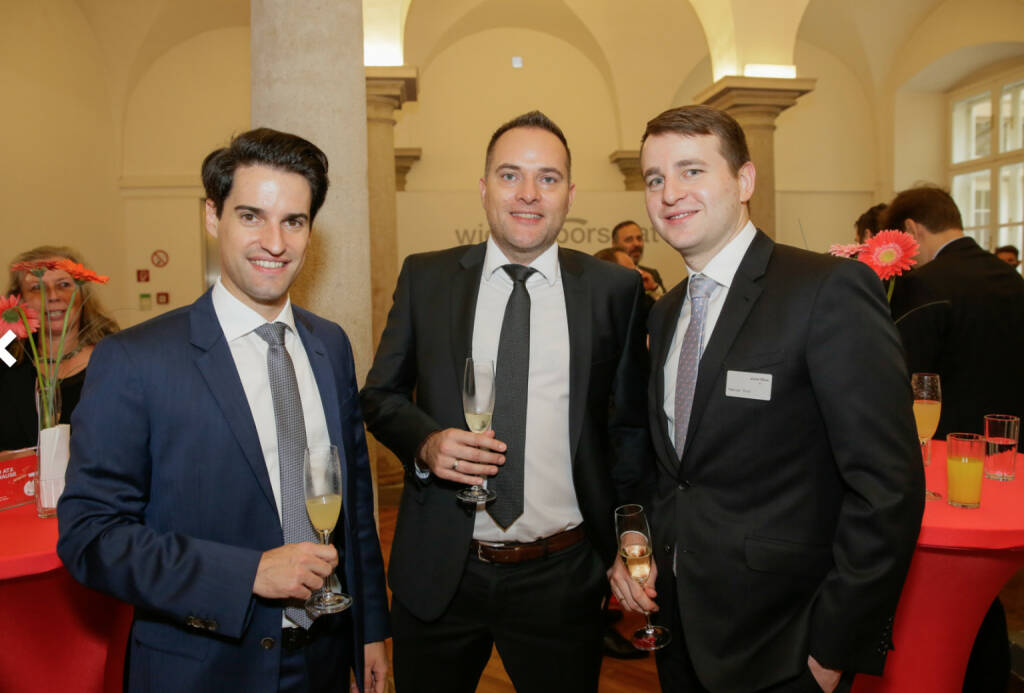 Bawag-IPO: Gäste und Börsen-Mitarbeiter, Fotocredit: Wiener Börse (26.10.2017)