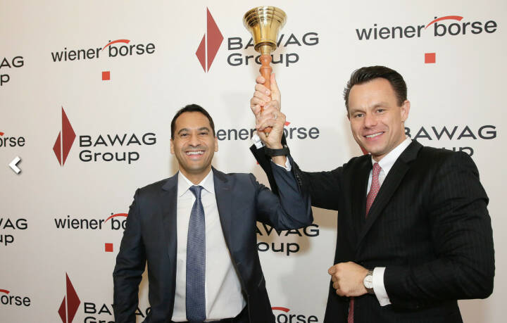 Bawag-CEO Anas Abuzaakouk und Wiener Börse-Chef Christoph Boschan läuten die Opening Bell; Fotocredit: Wiener Börse