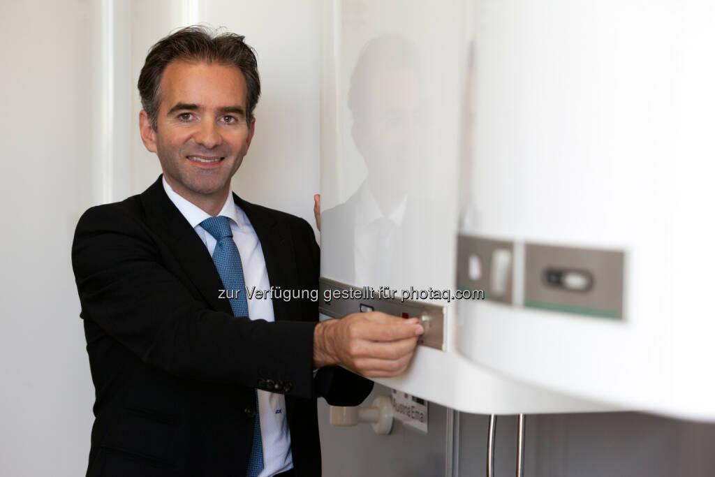Dr. Martin Hagleitner - Austria Email AG: Austria Email AG zu Weltspartag: Geldverbrennung auf Sparbüchern und in Kellern beenden (Fotograf: Koch/Citronenrto / Fotocredit: Austria Email), © Aussender (27.10.2017)