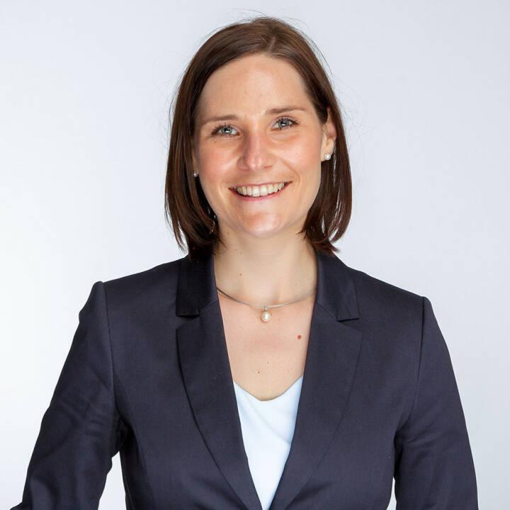 Daniela Höfler, Senior Sourcing Partner bei epunkt, erreicht beim Active Sourcing Award in Köln den 2. Platz in der Kategorie Personaldienstleister. Damit steigt sie nun offiziell in den Rang der besten Active Sourcer im deutschsprachigen Raum ein. Foto: epunkt