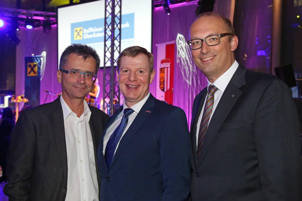 Präsident Ärztekammer OÖ Peter Niedermoser, Hermann Pühringer (WK OÖ), RLB OÖ-Vorstand Reinhard Schwendtbauer; Fotocredit: RLB OÖ/Strobl (01.11.2017)
