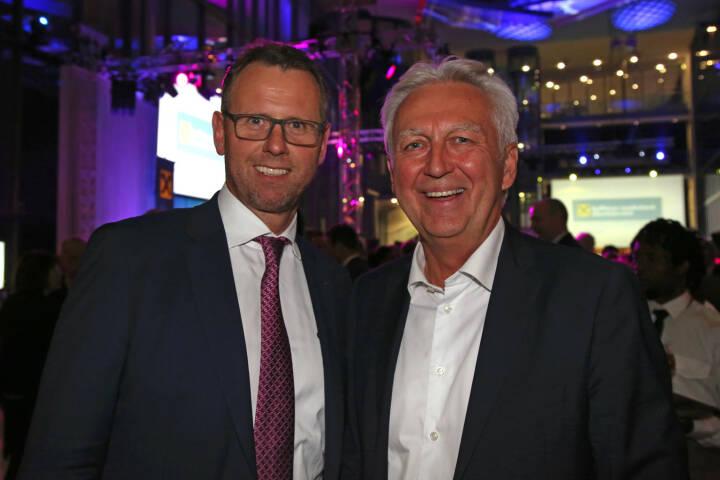 KEBA-Chef Gerald Luftensteiner, RLB OÖ-Vorstand Stefan Sandberger, Fotocredit: RLB OÖ/Strobl