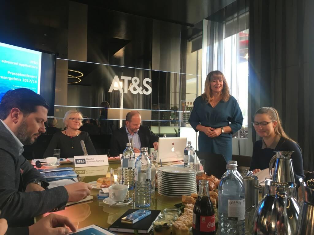 AT&S-CFO Monika Stoisser-Göhring und CEO Andreas Gerstenmayer, AT&S-IR-Chefin Elke Koch (03.11.2017)