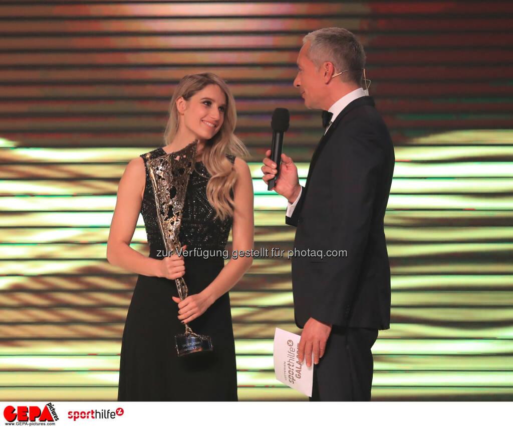 Anna Gasser und Rainer Pariasek - Lotterien Sporthilfe-Gala - (Photo: GEPA pictures/ Mario Buehner) (04.11.2017)