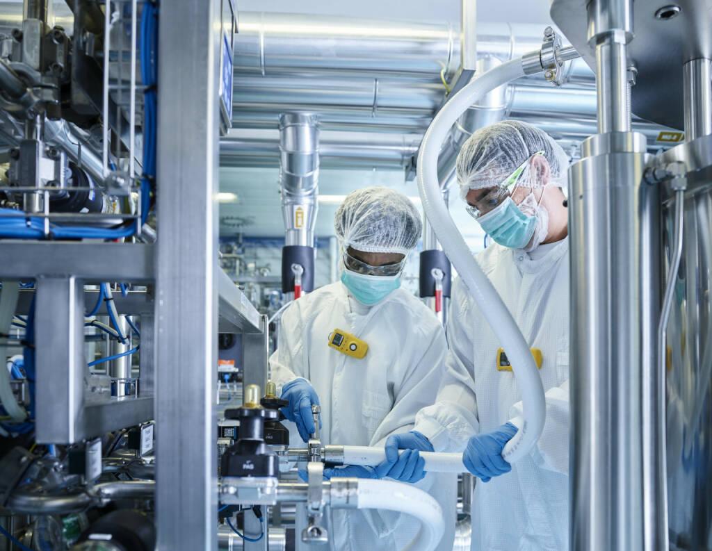 Novartis Austria GmbH: Novartis setzt bei Biopharmazeutika weiter auf Österreich – Zellkulturproduktion am Standort Schaftenau wird erweitert, Labor, Biotech, Forschung, etc. Fotocredit: Novartis Austria, © Aussendung (06.11.2017)