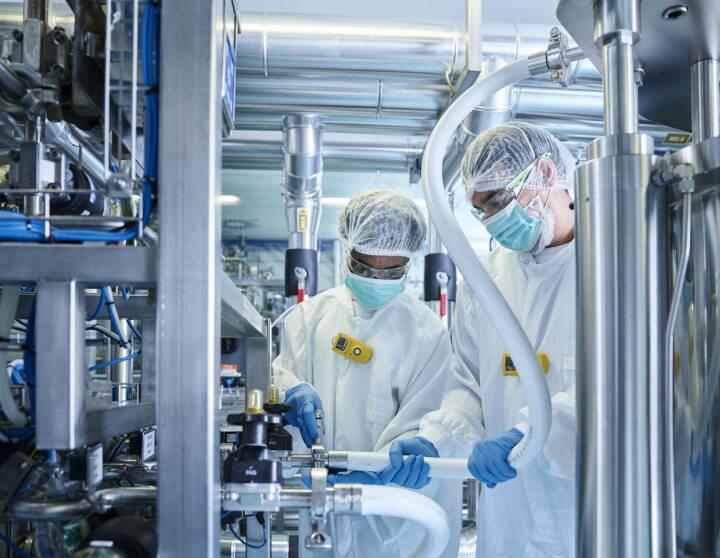 Novartis Austria GmbH: Novartis setzt bei Biopharmazeutika weiter auf Österreich – Zellkulturproduktion am Standort Schaftenau wird erweitert, Labor, Biotech, Forschung, etc. Fotocredit: Novartis Austria
