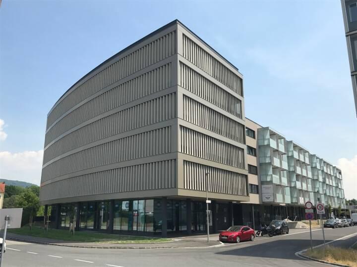 Die zur EHL-Gruppe zählende EHL Investment Consulting hat eine Büroimmobilie in Linz-Urfahr im Rahmen einer Off-Market Transaktion an eine deutsche Privatstiftung vermittelt. Verkäufer des Objekts ist die oberösterreichische RWH Immobilien GmbH. Fotocredit: EHL