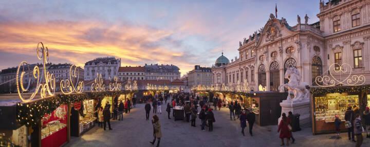 MAGMAG Events & Promotion GmbH: Wiens schönste Weihnachtsdörfer eröffnen, Weihnachtsdorf Schloss Belvedere, Weihnachten, Weihnachtsmarkt, Fotocredit: MAGMAG Events & Promotion GmbH.