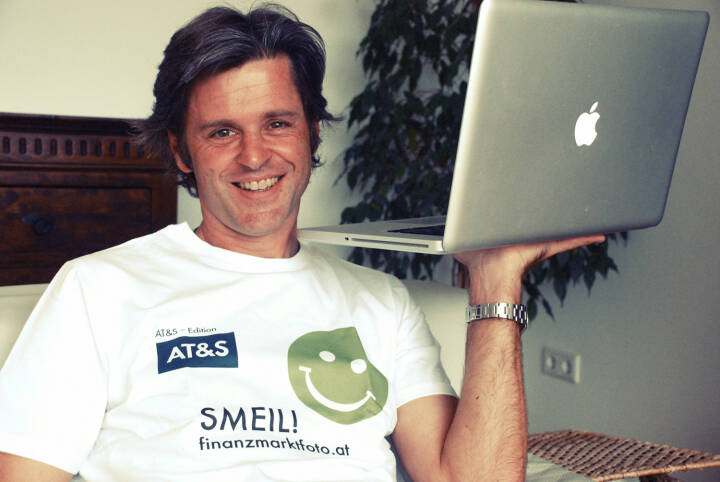 Apple Smeil! Thomas Steiner, Berater Apano (Shirt in der AT&S-Edition)