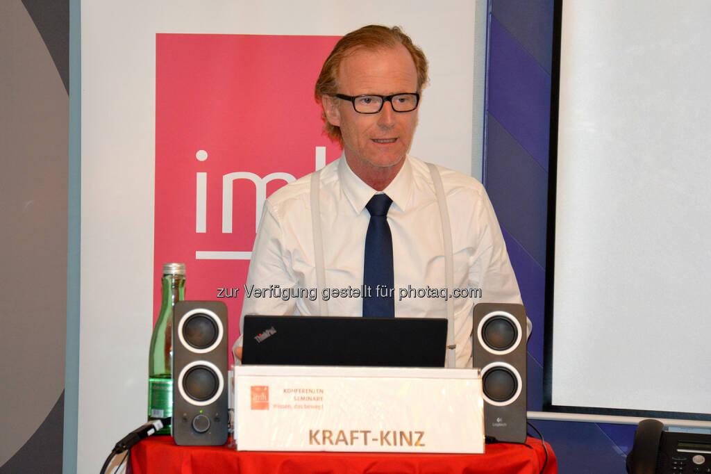 Dr. Georg Kraft-Kinz von der Raiffeisen Landesbank NÖ sprach über die Omni-Kanal-Strategie - imh Gmbh: Kredit vom Roboter oder doch vom sympathischen Bankberater? (Fotocredit: imh GmbH), © Aussender (10.11.2017)