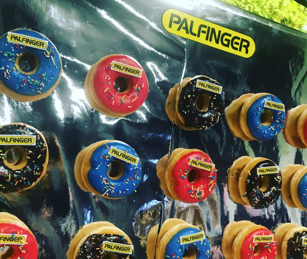 Palfinger Sweets, © diverse photaq (19.11.2017)