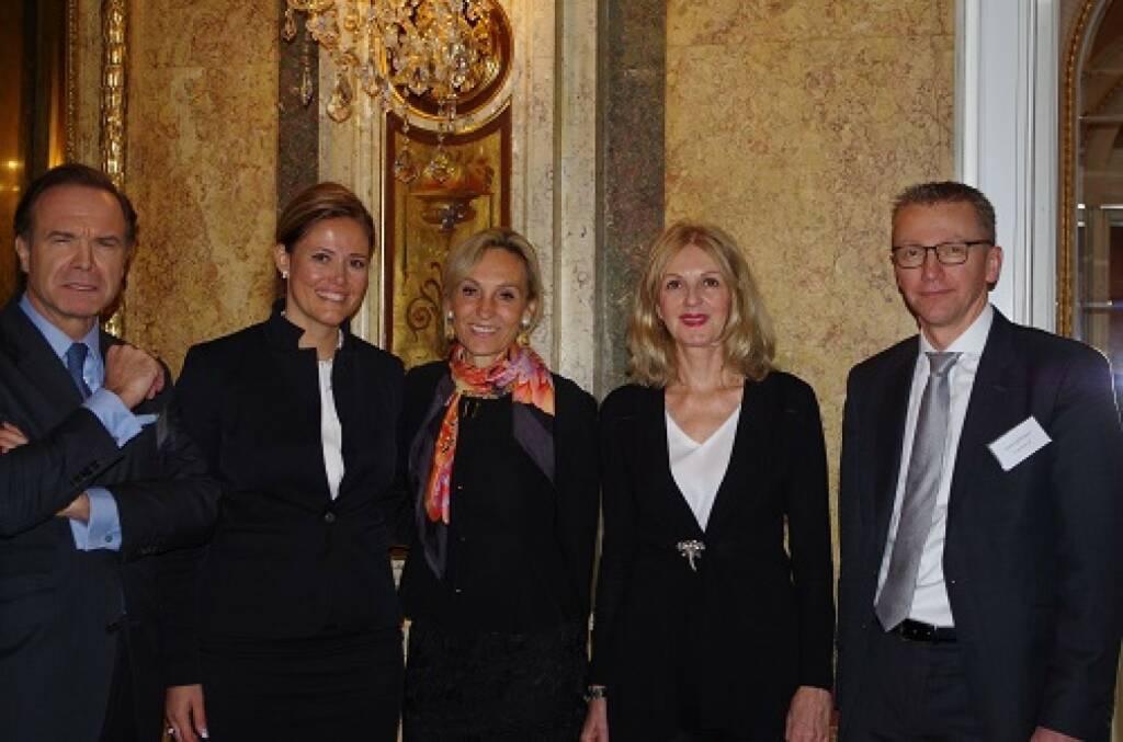 Thomas Winkler, UBM; Milena Ioveva, UBM; Isabella de Krassny, Donau Invest; Sabine Duchaczek, Advantage Strategy; Rene Hoffmann, Vonovia; Bild: Family Office Day (20.11.2017)