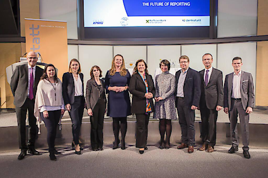 Gemeinsam mit KPMG und der Unterstützung der Raiffeisen Bank International gelang es denkstatt, die Global Reporting Initiative nach Wien zu holen und damit den ersten Standards Launch Event im deutschsprachigen Raum zu veranstalten. Fotocredit:denkstatt, © Aussendung (23.11.2017)