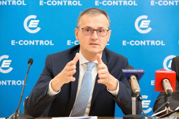 Energie-Control Austria: E-Control: Mehr als 263.000 Strom- und Gaskunden wechselten ihren Anbieter in den ersten neun Monaten, E-Control-Vorstand Wolfgang Urbantschitsch.Fotocredit:Georges Schneider, E-Control