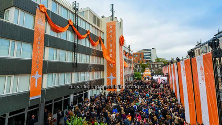 Eröffnung und Banddurchschneidung Amsterdam - SCIENTOLOGY MISSION WIEN: Scientology - Die am schnellsten wachsende Religion der Welt (Fotocredit: Scientology Int.)