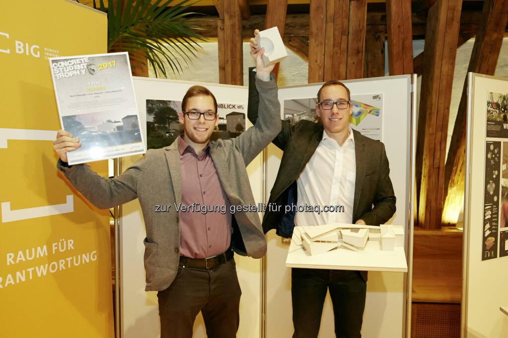 Siegerteam Projekt Weinblick v.l.: Alexander Macho und Maximilian Macho. - Österreichische Zementindustrie: 12. Concrete Student Trophy in Wien (Fotocredit: zement+beton/Schwentner), © Aussender (29.11.2017)