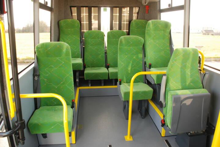 K-Bus: Erster 100 % Niederflurbus mit Elektroantrieb und Solar Range Extender, Sitze, grün, E-Bus, Elektro, Fotocredit:K-Bus GmbH
