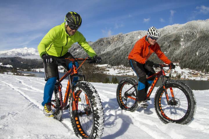Winter am Weissensee, z.B. mit Fatbiken am Eis und Schnee; (c) Weissensee Information
