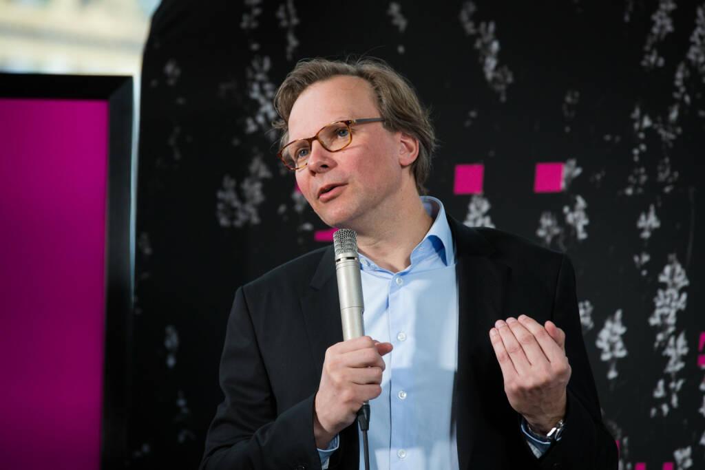 """T-Mobile Austria kündigte die Übernahme von UPC Austria an: Andreas Bierwirth, CEO von T-Mobile Austria: """"Breitband ist das unverzichtbare Fundament des digitalen Österreichs. Unsere Ambition ist es, unseren Kunden – wo immer und wer immer sie sind – für jede Anwendung, die bestmögliche Anbindung zur Verfügung zu stellen, gleich ob über LTE, Glasfaser oder digitales Kabel oder künftig 5G"""". Bild: T-Mobile.at, © Aussendung (22.12.2017)"""