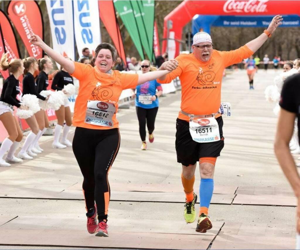 Berndt Fankhauser  Mein Sportschnappschuss des Jahres 2017 war der Zieleinlauf bei Laufen Hilft meinem ersten gemeinsamen Bewerb mit meiner Tochter Betty, fotografiert, wie so viele Andere gute Bilder von meinem Schatz Christine  (27.12.2017)