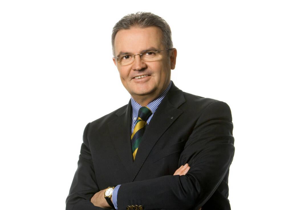 """D.A.S.: Feuerwerksraketen nur mit CE-Kennzeichnung erlaubt. Die Rechtsschutzversicherung empfiehlt auf die """"F-Kategorisierung"""" und CE-Kennzeichnung zu achten. Verboten sind die Verwendung und der Besitz von """"Schweizer Krachern"""", die einen Blitzknallsatz enthalten. Bei Verletzung der Gesetze drohen Strafen bis zu 3.600 Euro, erklärt Johannes Loinger, Vorstandsvorsitzender der D.A.S. Rechtsschutz AG; Quelle: D.A.S./ Foto Wilke, © Aussender (27.12.2017)"""