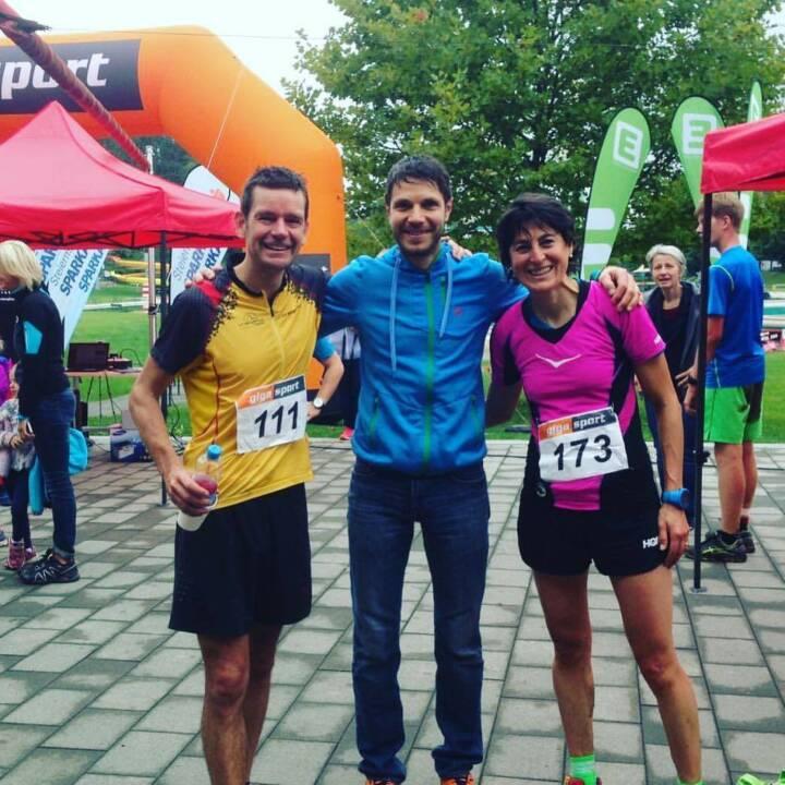 Wolfgang Seidl Inmitten der 2 sympathischsten Sportler- Jonathan & Antonella beim MANA SPEED TRAIL!