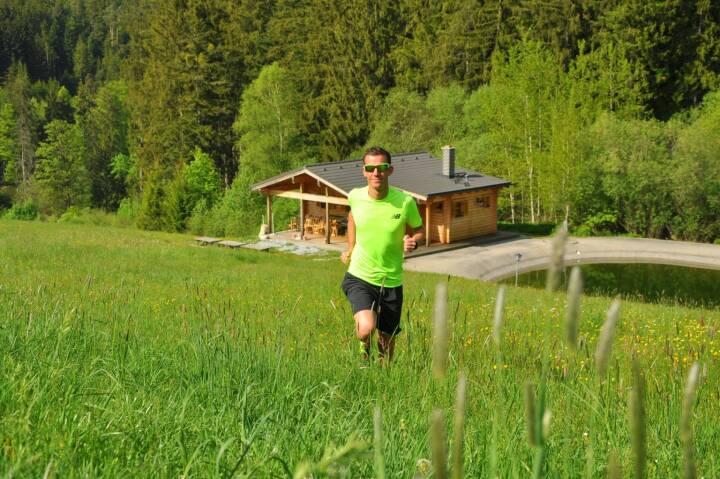 Werner Schrittwieser Da mein Laufjahr 2017 von einer langwierigen und hartnäckigen Verletzung geprägt war, nominiere ich heuer dieses Foto. Es soll einfach die Freude am Laufen in unserer wunderschönen Natur in Österreich darstellen, wo es weder um Kilometer, Zeiten oder sonstiges geht! :) Einfach versuchen das Laufen in vollen Zügen zu genießen..