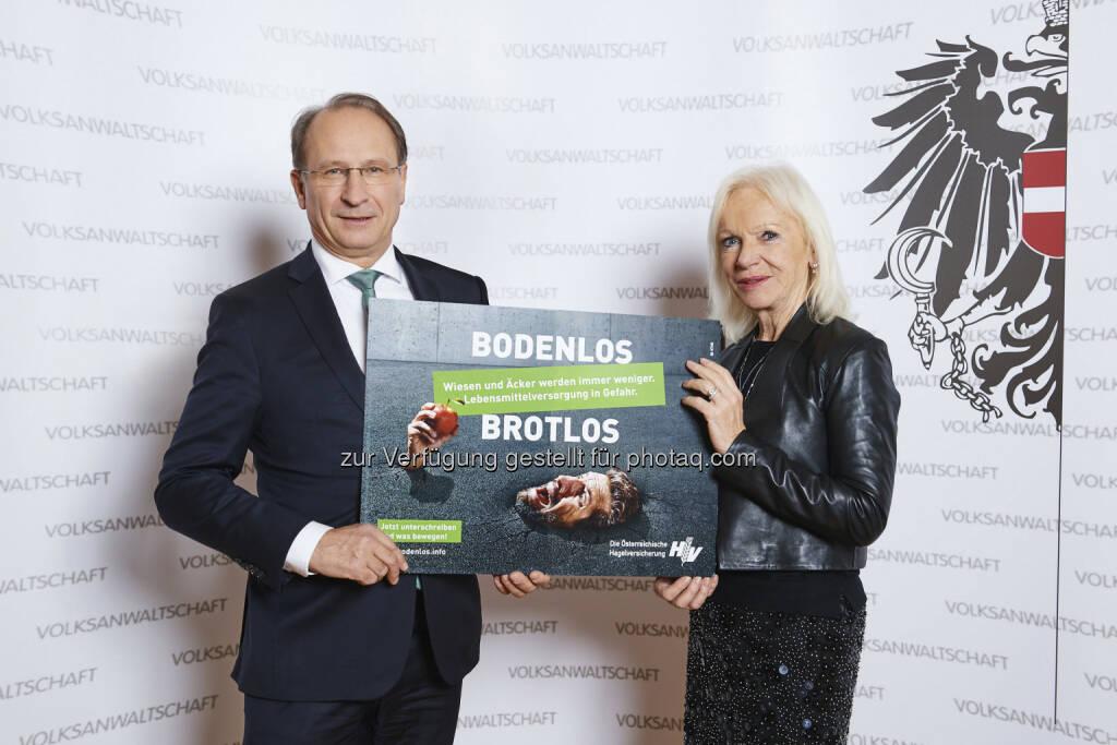 Kurt Weinberger, Volksanwältin Gertrude Brinek - Österreichische Hagelversicherung VVaG: Bodenverbrauch – 2018 Hausaufgaben machen! (Bild: ÖHV/Gerry Mayer-Rohrmoser), © Aussendung (28.12.2017)
