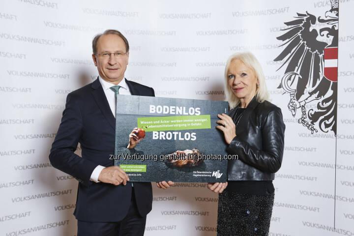 Kurt Weinberger, Volksanwältin Gertrude Brinek - Österreichische Hagelversicherung VVaG: Bodenverbrauch – 2018 Hausaufgaben machen! (Bild: ÖHV/Gerry Mayer-Rohrmoser)
